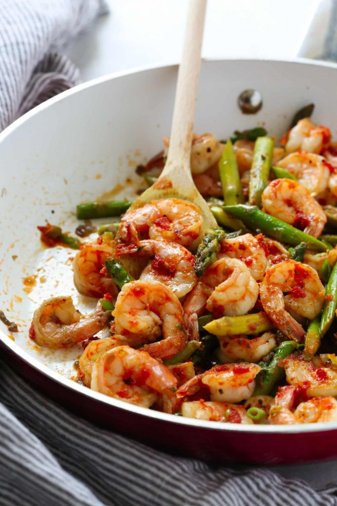 Sun-dried Tomato Pesto Shrimp Asparagus Skillet Recipe